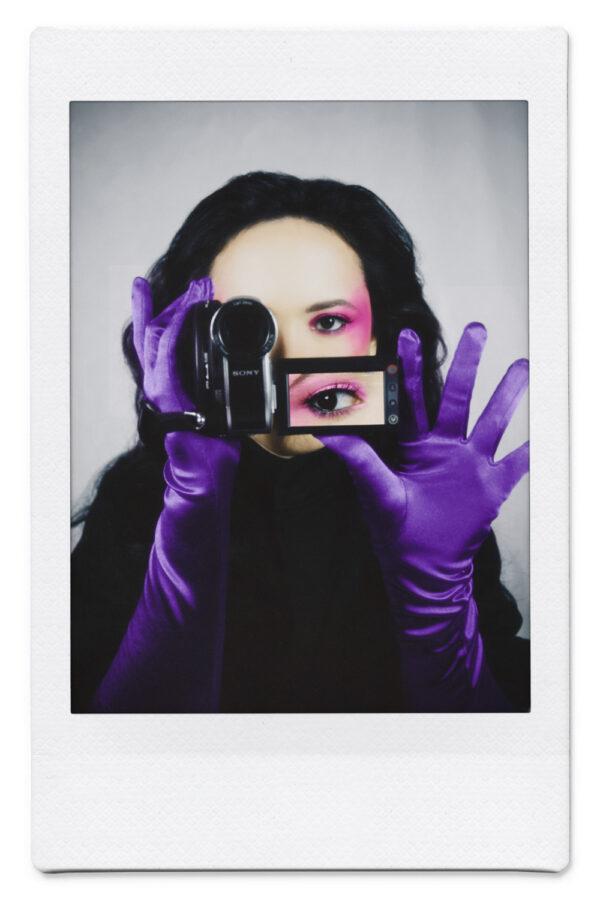 Conoce el arte camaleónico de Ariana Rodriguez, la peruana que desde Dubai rompe con la idea de qué es ser un artista