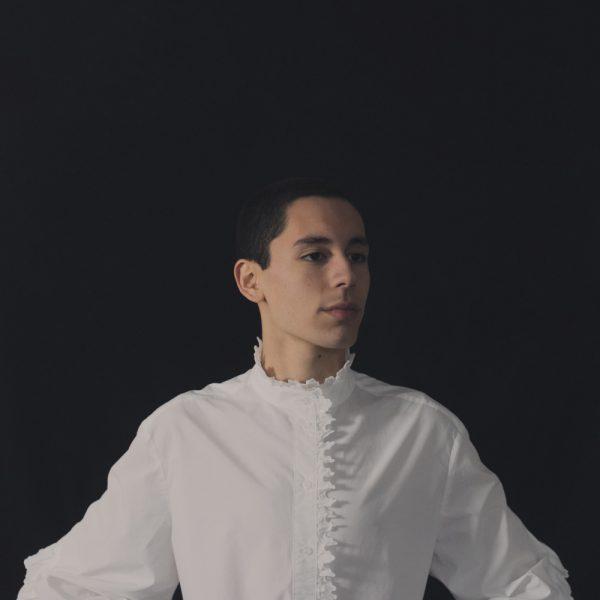 Conoce a Gonzalo Kujon, el joven cantante que encendió el escenario de La Voz Perú